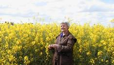 ../../Julie Newman from the Network of Concerned Farmers spoke in favour of a GE crop ban in the shire.